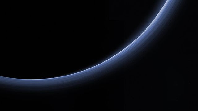 640px-PIA20362-Pluto-Atmosphere-Released20160114