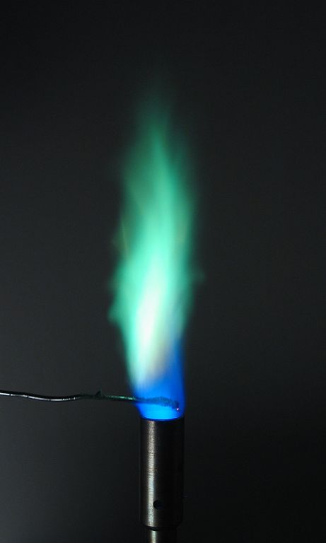 461px-Flametest--Cu